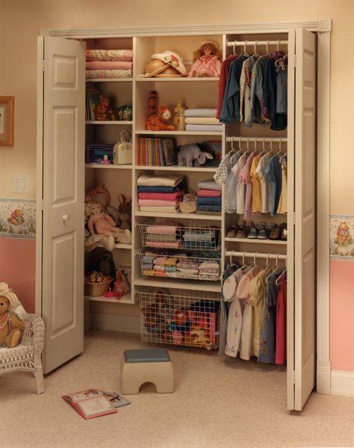 closet aramado fechado com porta fixa
