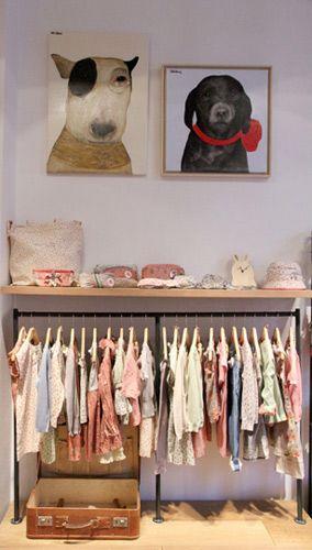 closet aramado infantil com arara embaixo de prateleira