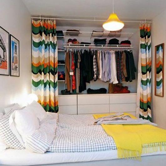 closet aramado com gavetas embaixo