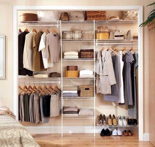 closet aramado com prateleiras, gavetas e suporte para sapatos