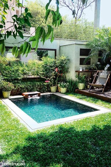 jardim com piscina pequena com cascata