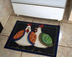 tapete emborrachado com estampa de galinha na cozinha