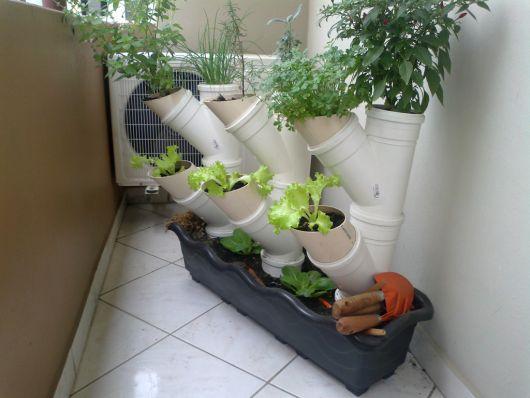 horta em cano de PVC