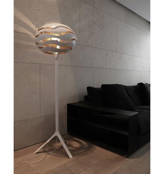 Luminária na cor cinza, modelo sisal moderna.