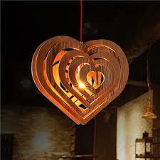 Lustre em formato de coração.