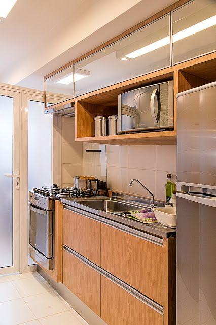 cozinha com fogão embutido