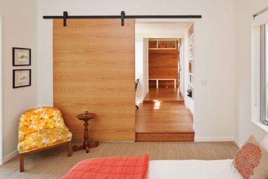 Porta de correr 70 modelos lindos pre os vantagens for Puerta corrediza externa