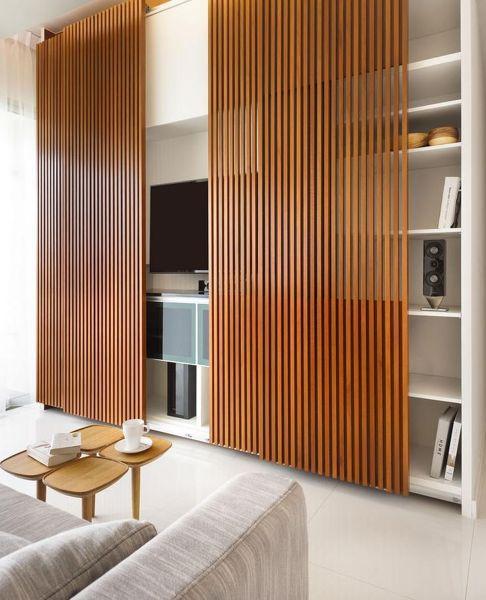 porta de madeira sala de TV