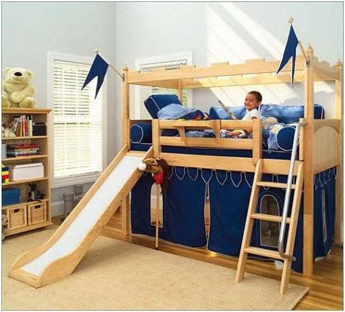 cama alta com escorregador e escada