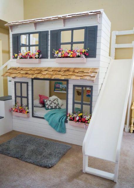 beliche com escorregador que imita uma casa