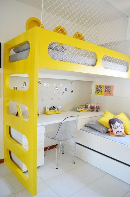 quarto branco e amarelo