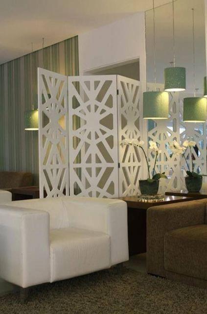 sala com biombo branco