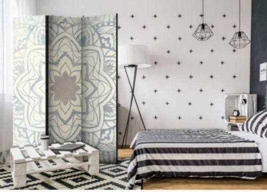 decoração branca e preta quarto