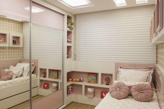 quarto pequeno mas bem organizado
