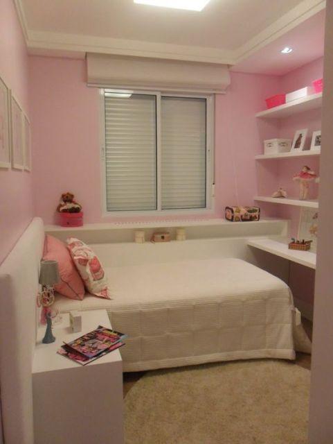 quarto branco e rosa