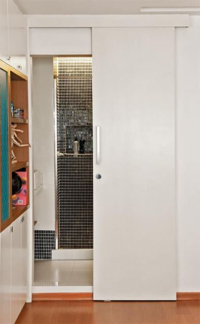 porta branca banheiro