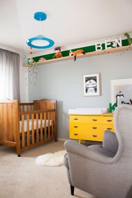 decoração com móvel colorido