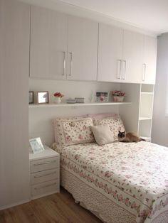 quarto pequeno e simples