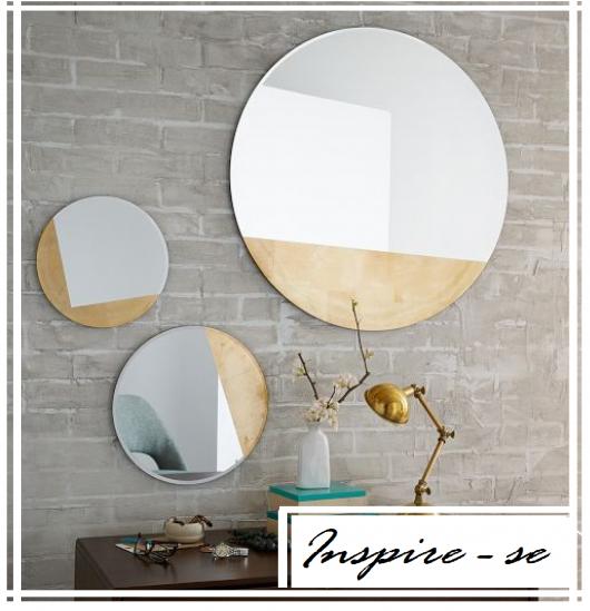 Montagem com 3 espelhos redondo sem moldura.