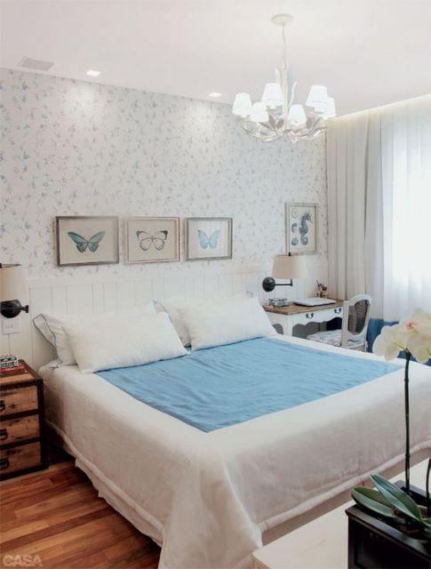 quadros simples para quarto de casal com papel de parede