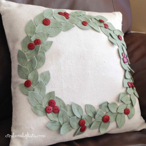 almofada decorada feltro e botões
