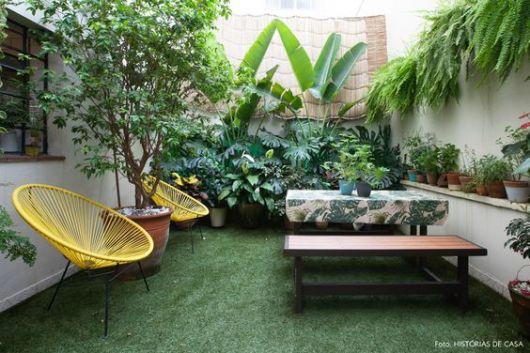quintal com grama sintética