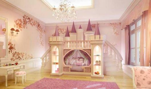 cama em formato de castelo
