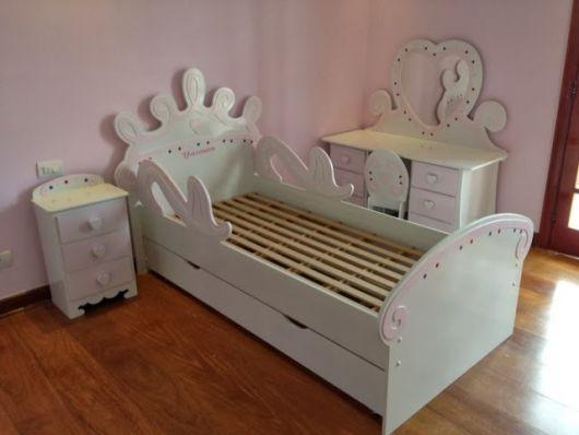cama simples branca