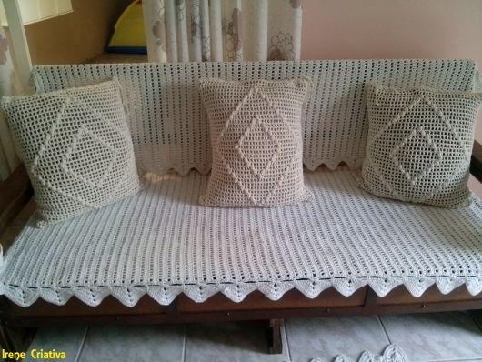 capa e almofadas de crochê