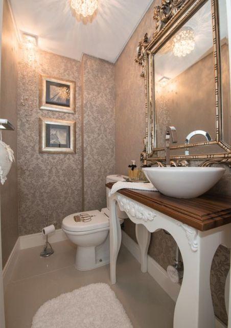 espelho com moldura lavabo