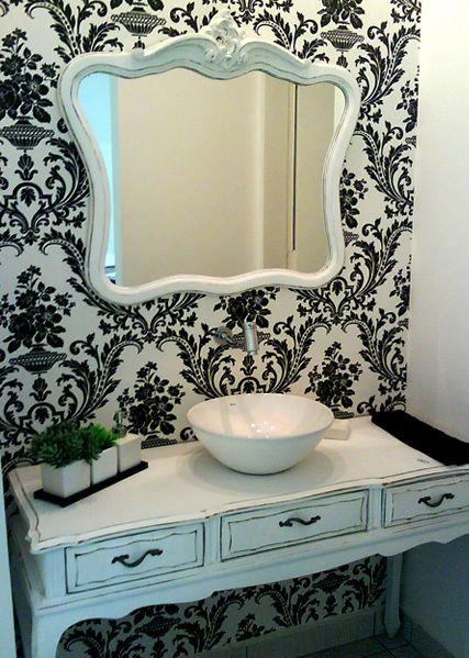 lavabo branco e preto