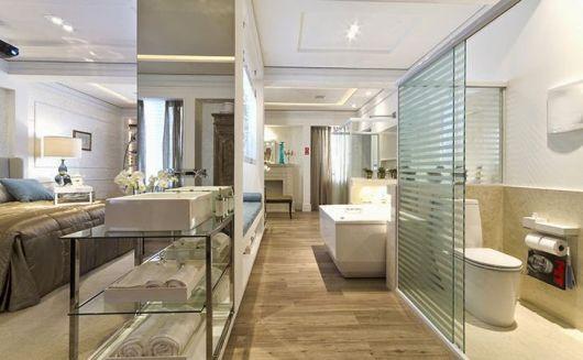 quarto com banheiro integrado