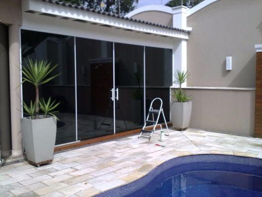 porta de correr para piscina