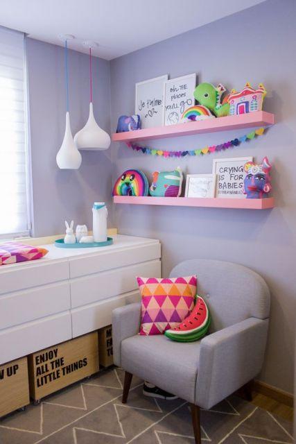 quarto colorido bebê