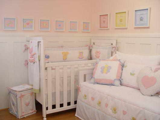 quarto rosa bebê