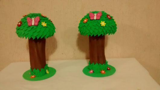 árvores de EVA com borboletas para maquete