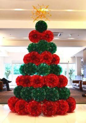 Árvore de Natal feita com garrafa pet.