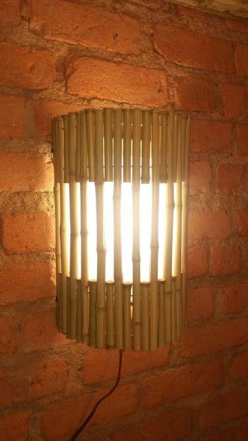 luminária de parede com bambu
