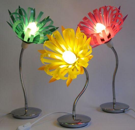 luminária de garrafa PET flores