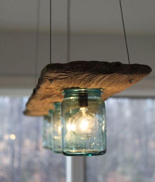 luminária para cozinha com vidros e madeira