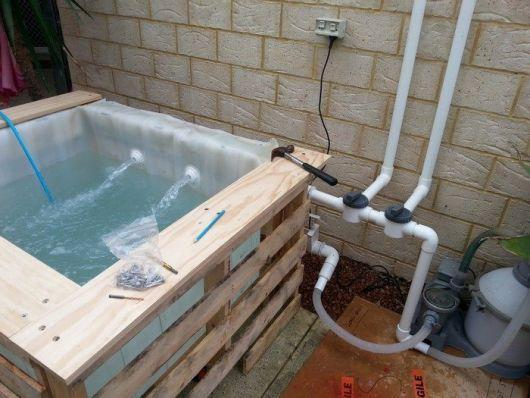 piscina quadrada e pequena