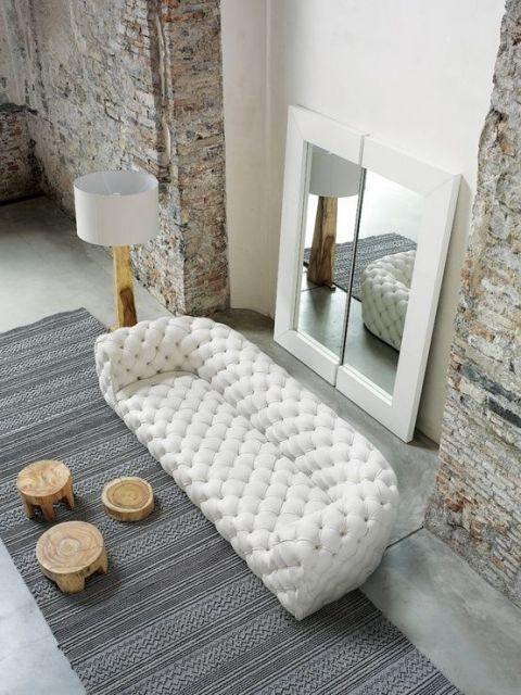 sofá estilo capitonê