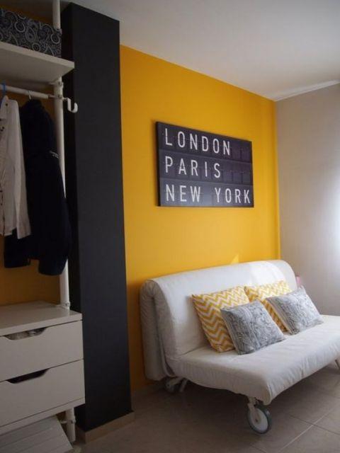 parede amarela sala