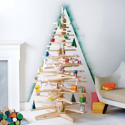 árvore de Natal feita de madeira