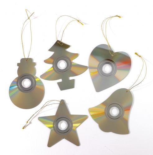 enfeites de Natal com CD com outros formatos como coração e estrela