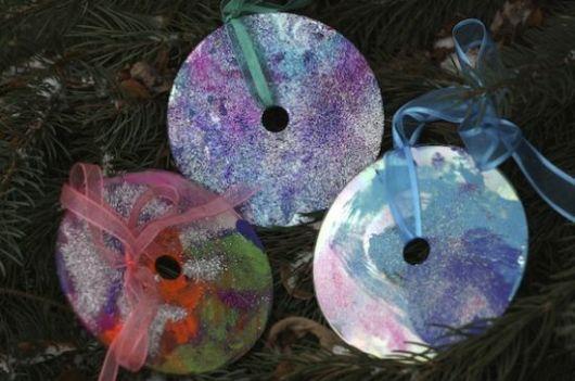 enfeites de Natal com CD para árvore com glitter