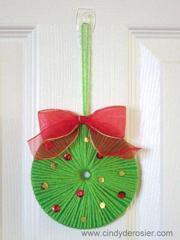 enfeite de Natal com CD para porta de entrada