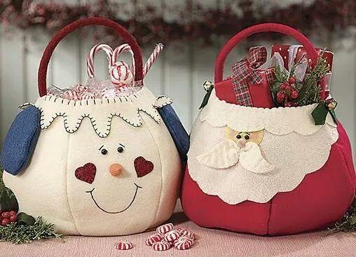 Potes cobertos com feltro para o natal
