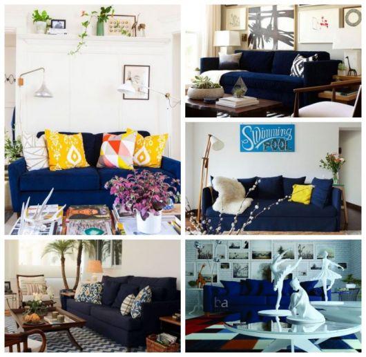 Cinco salas de estar com sofá azul escuro.