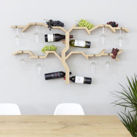 Adega de parede feita de parede que se parece com uma árvore